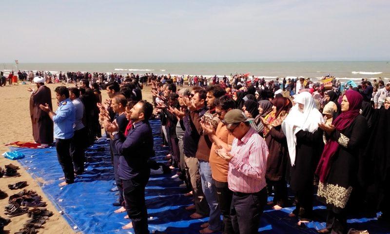 نماز جماعت به وقت ساحل