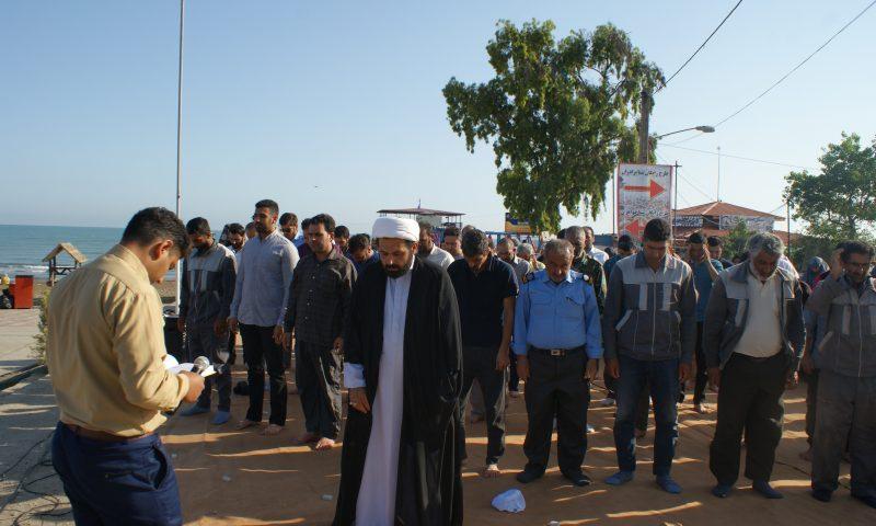 نماز عید سعید فطر با نوای دریا
